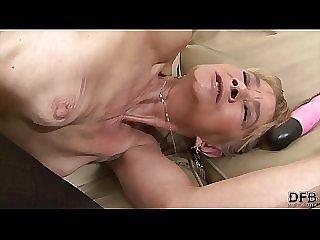 Gefickt omas anal Fette oma